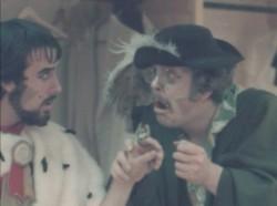 Дон Лейферт (справа) играет в театре
